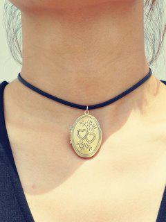 Collar Del Locket Del Corazón Grabado - Dorado