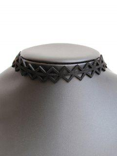 Hollowed Triangle Choker - Black