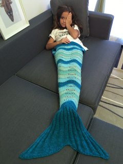 Knitted Openwork Mermaid Blanket - Deep Blue