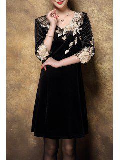 Velvet Swing Dress With Applique - Golden 2xl