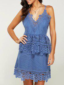 فستان خصر ذات الزخرفة   و الحزام بمادة المخرمات  - ضوء أزرق L