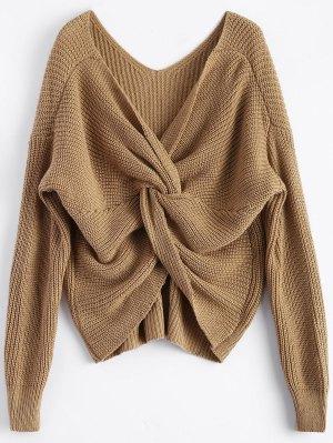 V cuello del suéter trenzado