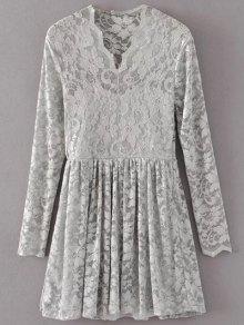 Sukienka z koronką w szpic