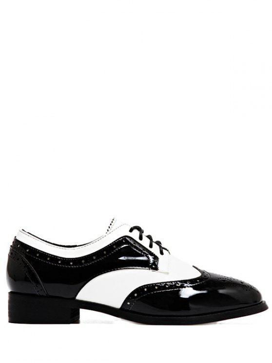 Ate para arriba Dos zapatos planos de tono Wingtip - Blanco y Negro 39