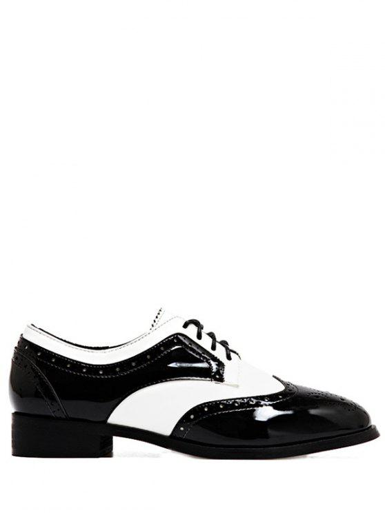 fashion Lace Up Two Tone Wingtip Flat Shoes - WHITE AND BLACK 37