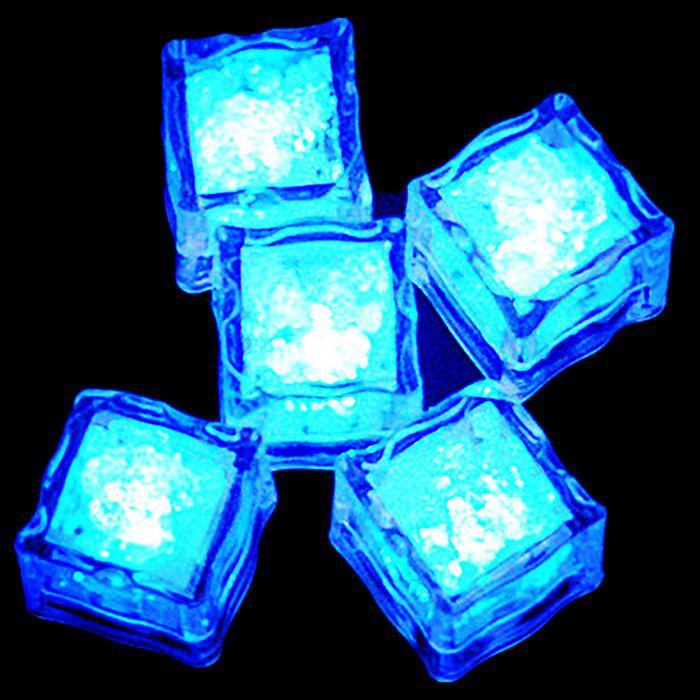 Creative LED Light Up Clignotant Ice Cube