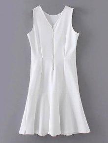 الفستان مع الرداء وهدب البيبلوم بلا أكمام - أبيض S
