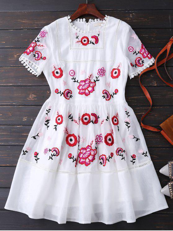 مطرز فستان زهري - أبيض M
