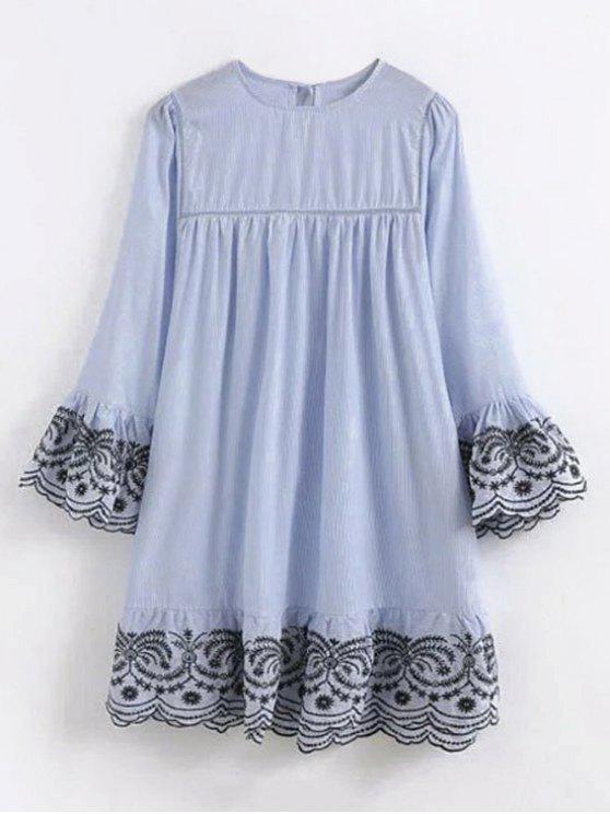 Vestido bordado rayado de la manga de la llamarada - Azul Claro S