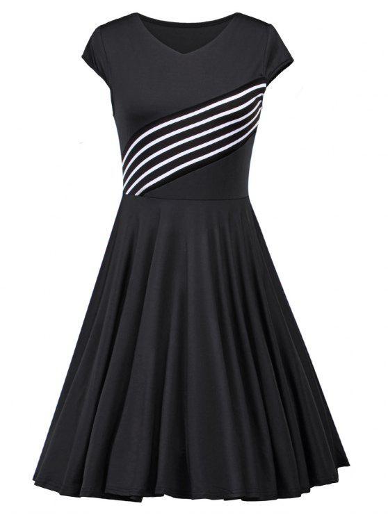 V فستان كلاسيكي مخطط الرقبة - أسود L
