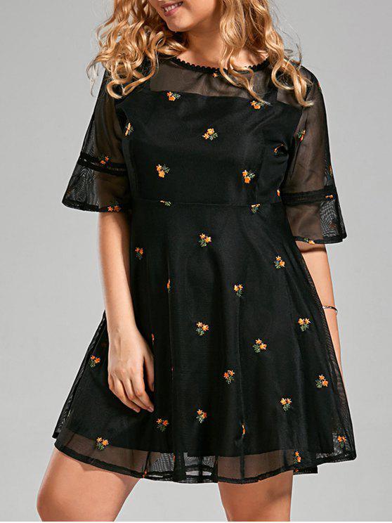 فستان مطرز الأزهار الحجم الكبير توهج - أسود 4XL