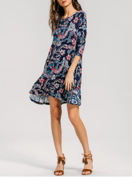 A فستان ثلاثة أرباع الأكمام مرسوم بخط - متعدد XL