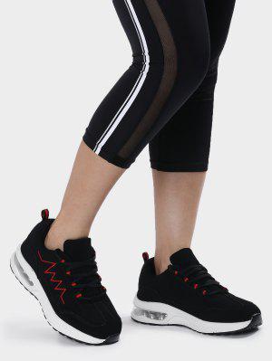 Sport Schuhe mit Luftkissen und Stickereien