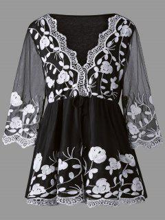 Plus Size Floral Embroidered Lace Panel Blouse - White And Black 5xl