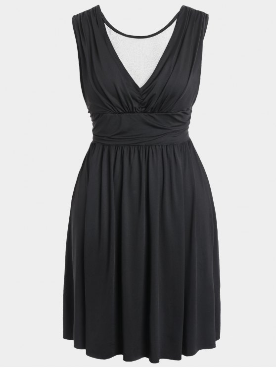 Ruched Back Low Cut Vestido de talla grande - Negro 2XL
