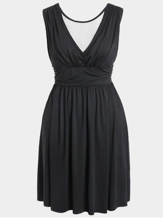 Ruched Back Low Cut Vestido de talla grande - Negro 2XL