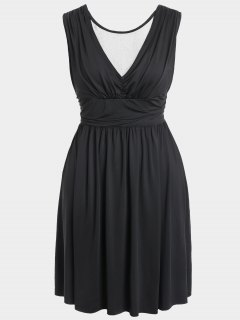 Ruched Back Low Cut Plus Size Dress - Black 2xl