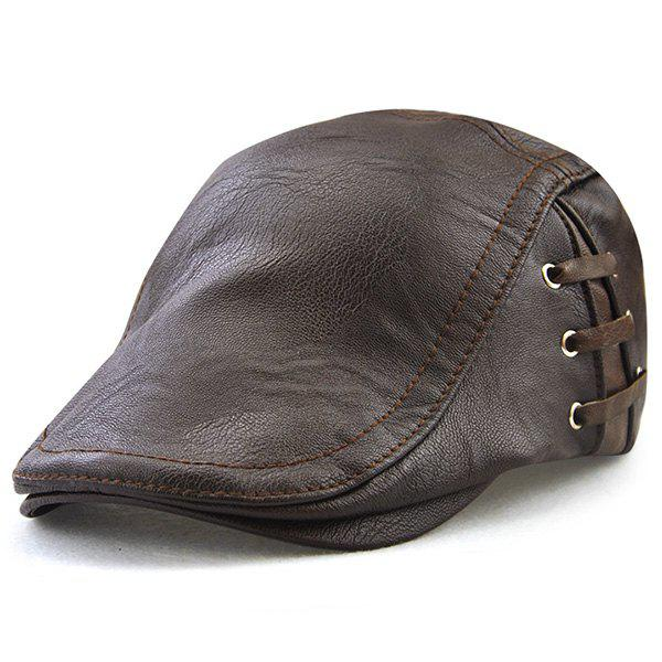 Chapeau plat en faux cuir design en dentelle