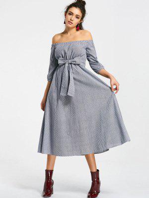 Schulterfreies Midi Kleid mit Streifenmuster und Gürtel