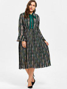 08c13beec9b Plus Size Bell Sleeve Striped Floral Print Pleated Dress