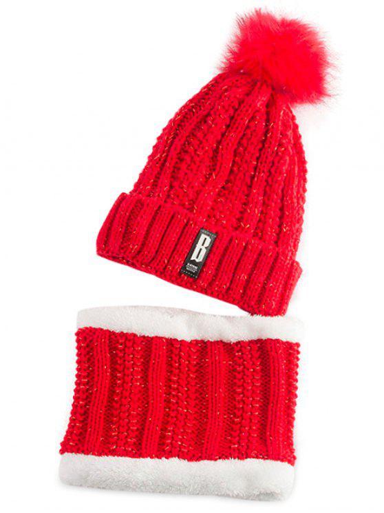 Etikette gestrickter Pom Hut und Schal - leuchtend rot