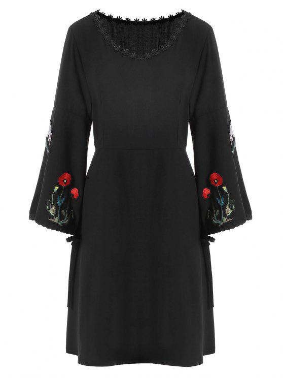 فستان ذو مقاس كبير مطرز بأزهار - أسود 5XL