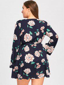 adaf1da46c5a2 30% OFF] 2019 Plus Size Long Sleeve Floral Surplice Dress In BLACK ...