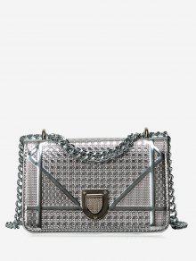 حقيبة كروسبودي مبطنة مع سلسلة مزينة بأشكال هندسية - فضة