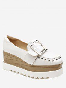 حذاء ذو نعل سميك مزين بحزام وقطع معدنية - أبيض 38