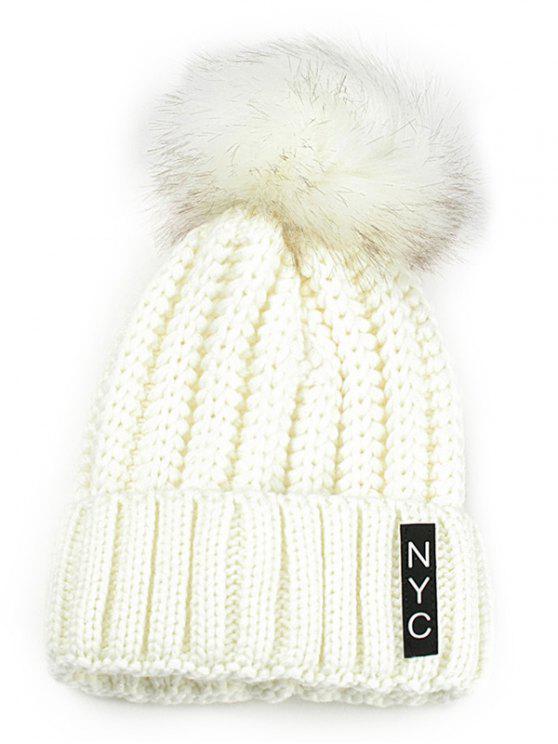 قبعة محبوكة مزينة بكتابة - أبيض