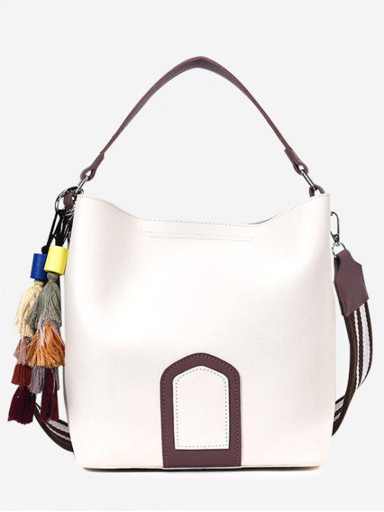 حقيبة يد من الجلد المصنع بألوان متعاكسة مزينة بشرابات - أبيض
