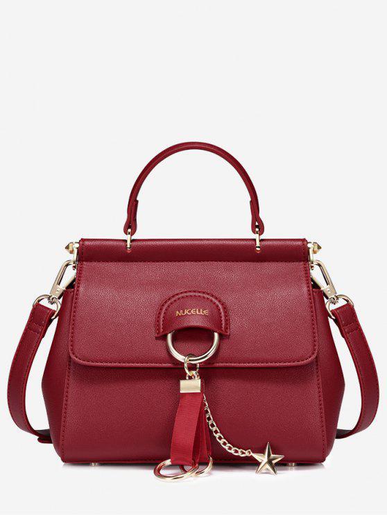 حقيبة يد خماسية الشكل من الجلد مزينة بتفاصيل معدنية - أحمر
