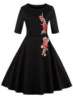 Vestido Largo Bordado Con Estampado Floral Y Llamarada - Negro 2xl