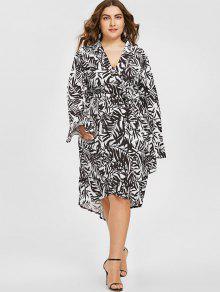 فستان الحجم الكبير غير متماثل طباعة الورقة غارق الرقبة - أبيض وأسود 3xl