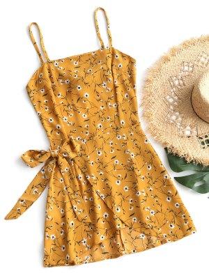 Mini-robe avec Ceinture aux Hanches