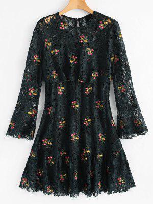 Robe en dentelle à fleurs évasée à manches évasées