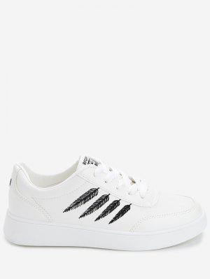 Zapatos de skate con estampado de plumas de lentejuelas de corazón