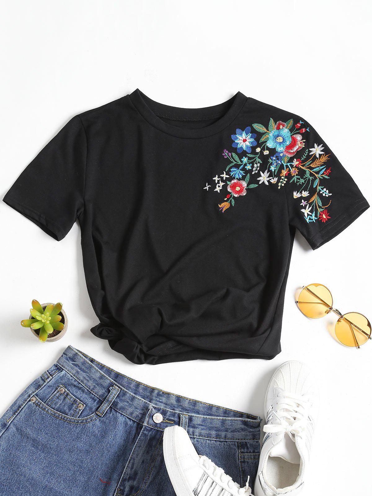 Floral Patched Round Collar Tee