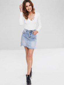 68b436027434 32% OFF] 2019 Ribbed Button Bodysuit In WHITE | ZAFUL