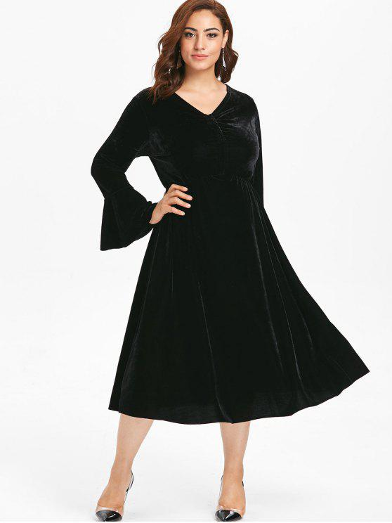 d35a3ae5af7 31% OFF  2019 Plus Size Bell Sleeves Velvet Midi Dress In BLACK