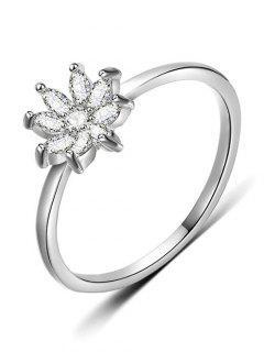 Rhinestone Flower Designed Finger Ring - Silver S