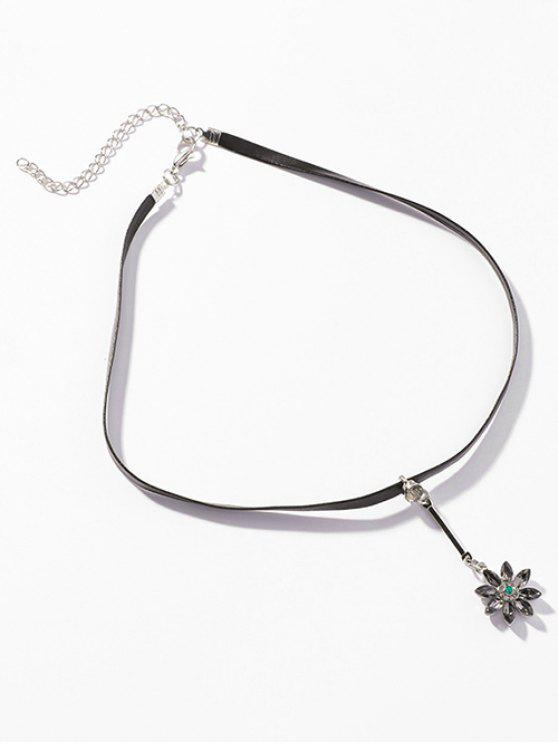 ladies Floral Pattern Pendant Clavicle Chain Necklace - SILVER