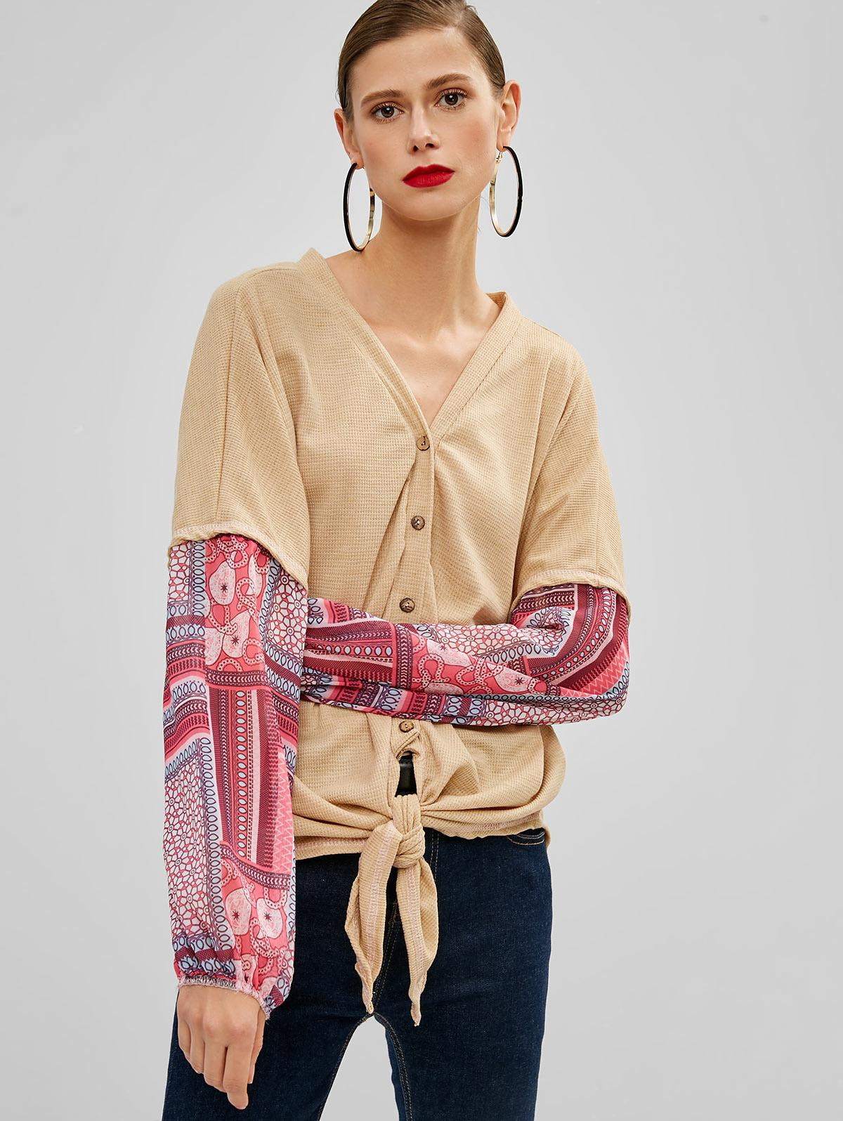 Buttoned Knotted Hem Printed Blouse