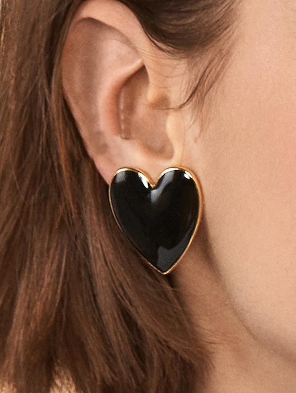 Heart Shape Romantic Stud Earrings, Black