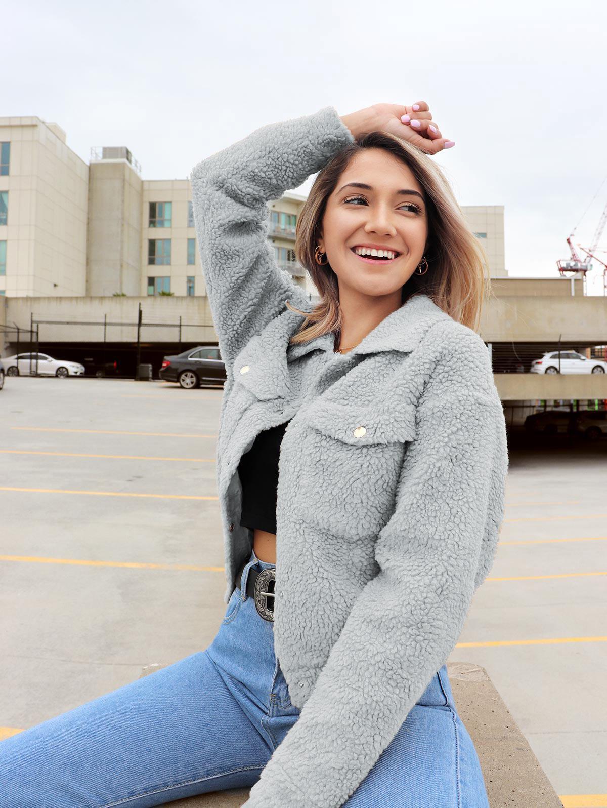 ZAFUL x Yasmine Bateman Snap Button Pockets Faux Fur Jacket thumbnail