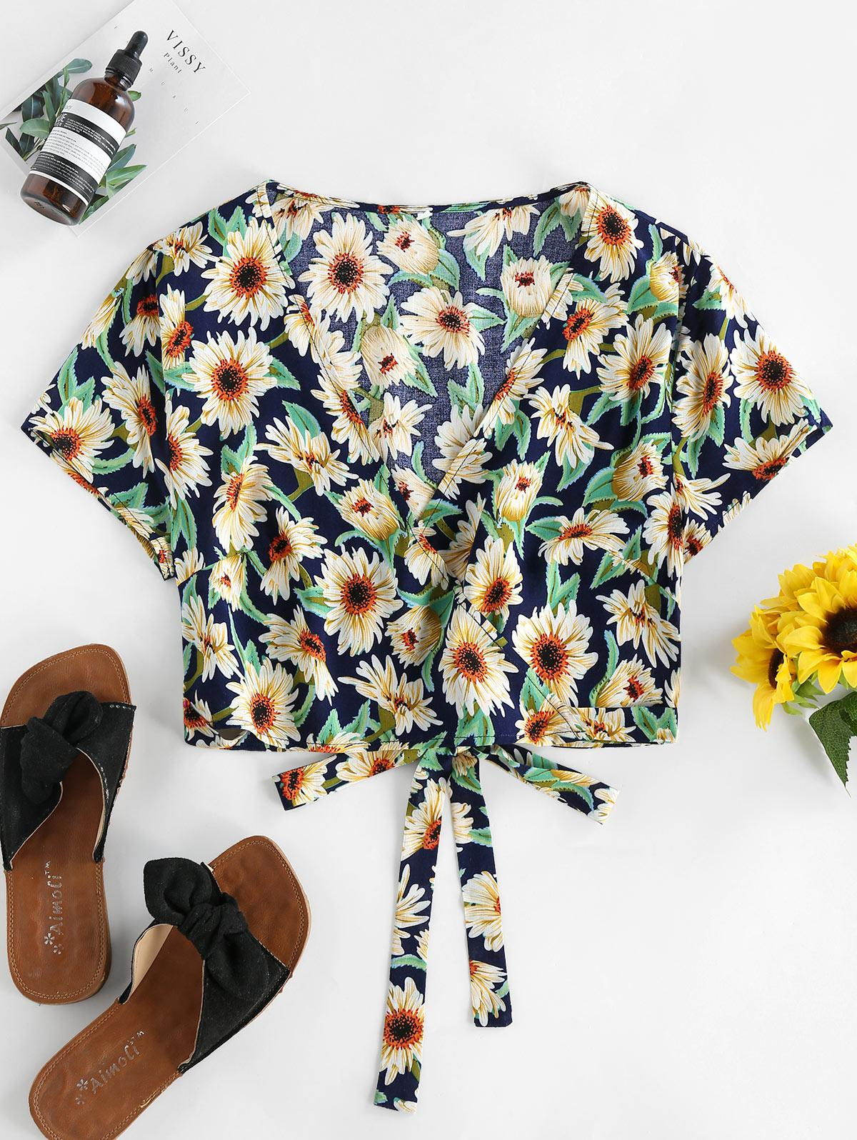 ZAFUL Flower Plunging Crop Blouse