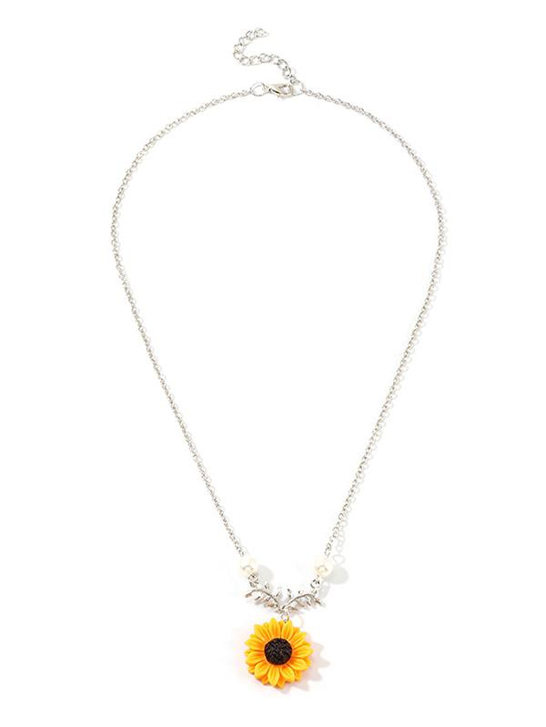 Sunflower Pendant Faux Pearl Necklace