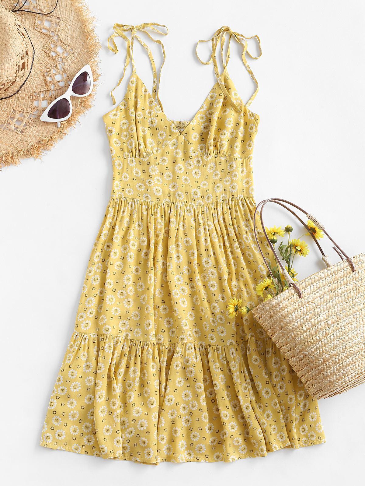 ZAFUL Ditsy Floral Tie Smocked Cami Flounce Dress