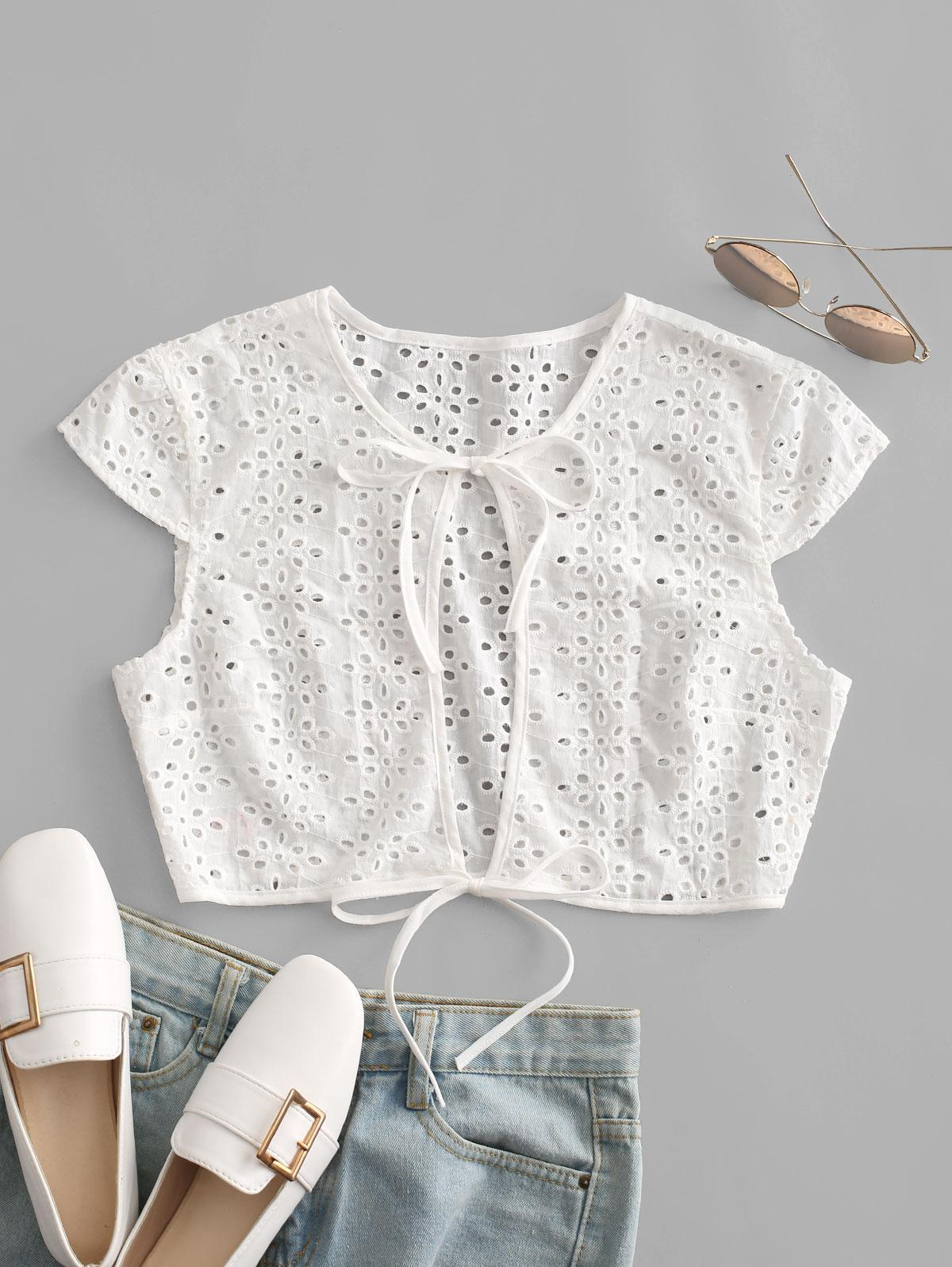 ZAFUL Broderie Anglaise Keyhole Cap Sleeve Top