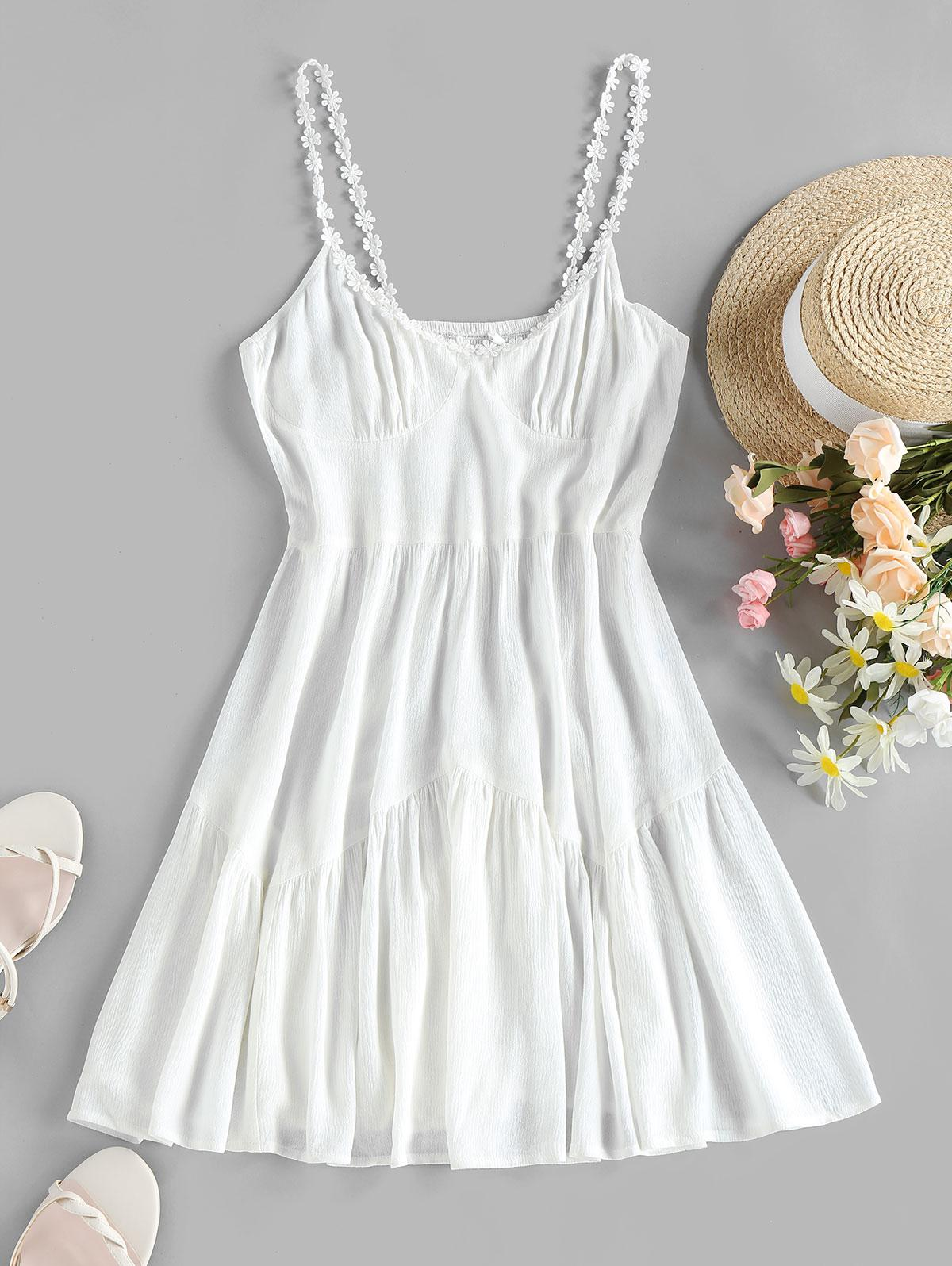 ZAFUL Flower Applique Smocked Backless Crinkle Dress